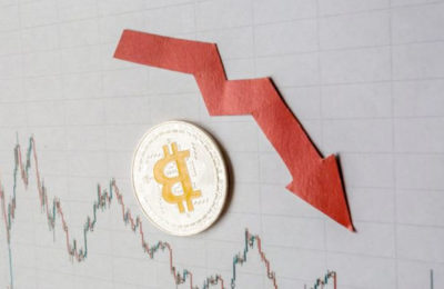 3 Altcoins Emerge as Potential Hedge While Bitcoin Price Plummets